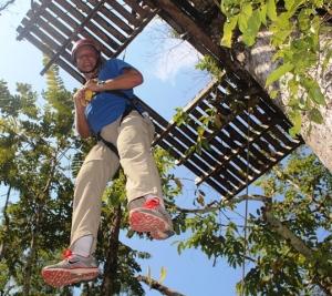 Ziplining Vertikal